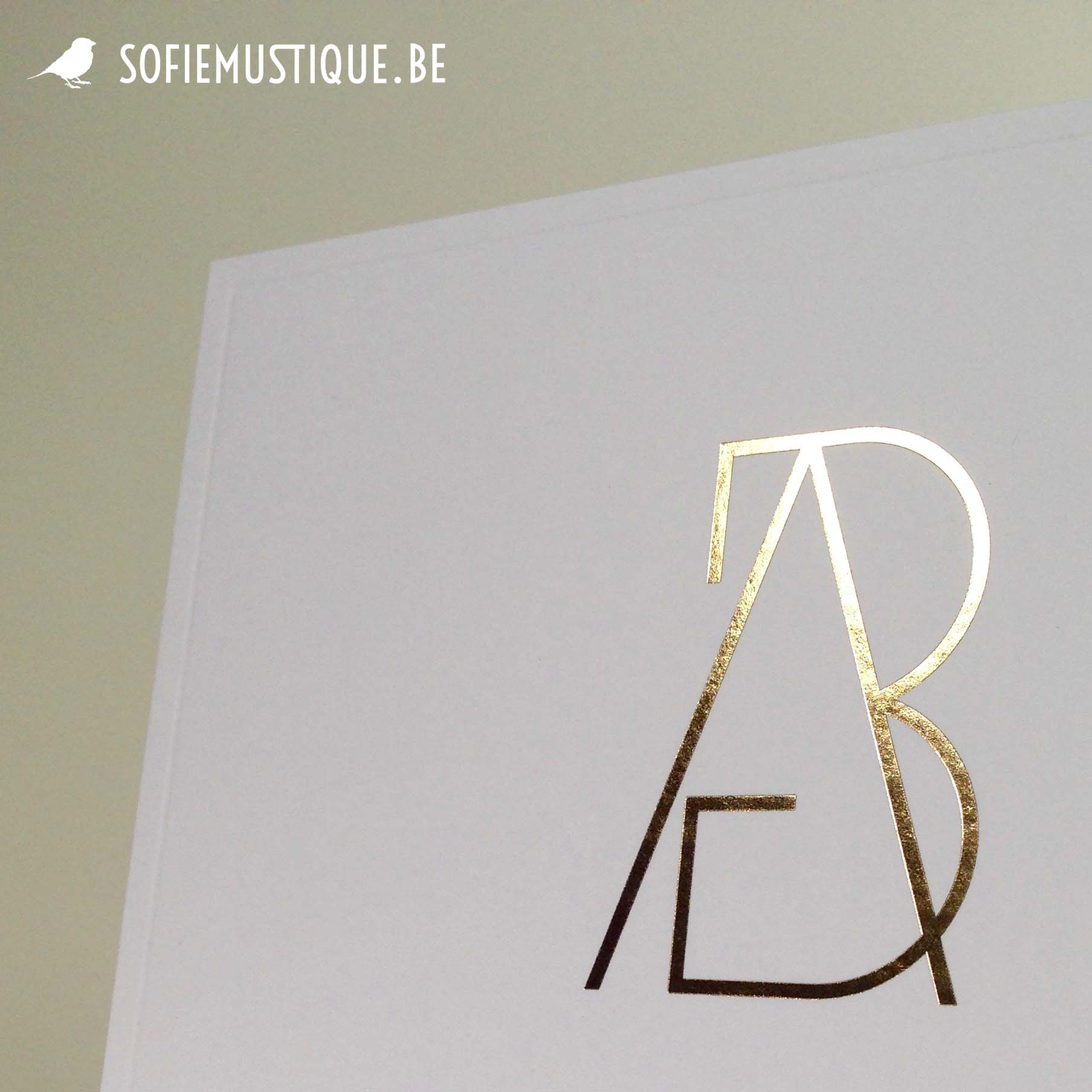 Huwelijksuitnodiging / wedding invitation Anneke & Bert   goudfolie, gold hot foil, logo