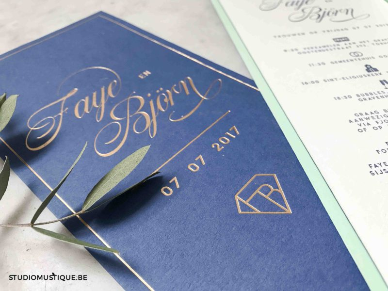 Huwelijksuitnodigingen Faye & Björn - letterpress goudfolie - blauw, mint, muntgroen