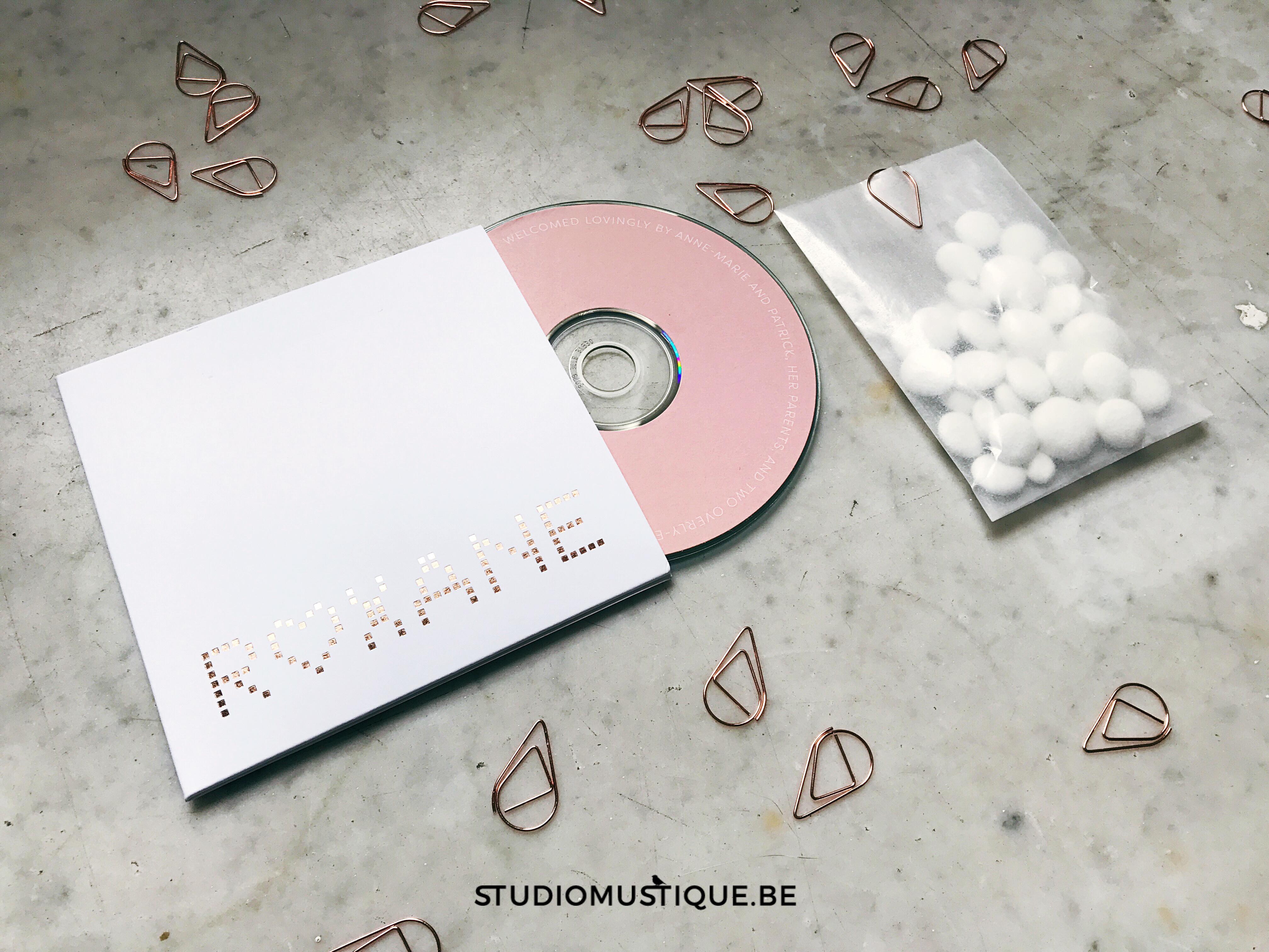 Geboortekaartje Roxane cd dvd hoesje folie rose goud foliedruk letterpress