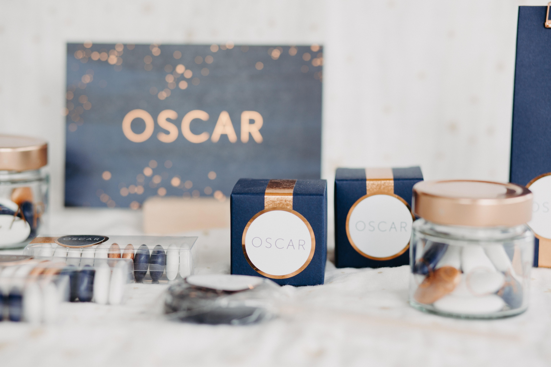 Geboortekaartje Letterpress koperfolie, Oscar, sterren, blauwe achtergrond, minimalistisch, doopsuiker Studio Blanche