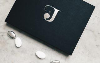Geboortedoosjes Jacob - uniek concept geboortekaartje met doopsuiker op maat - foliedruk - doos op maat - logo design - olifantje