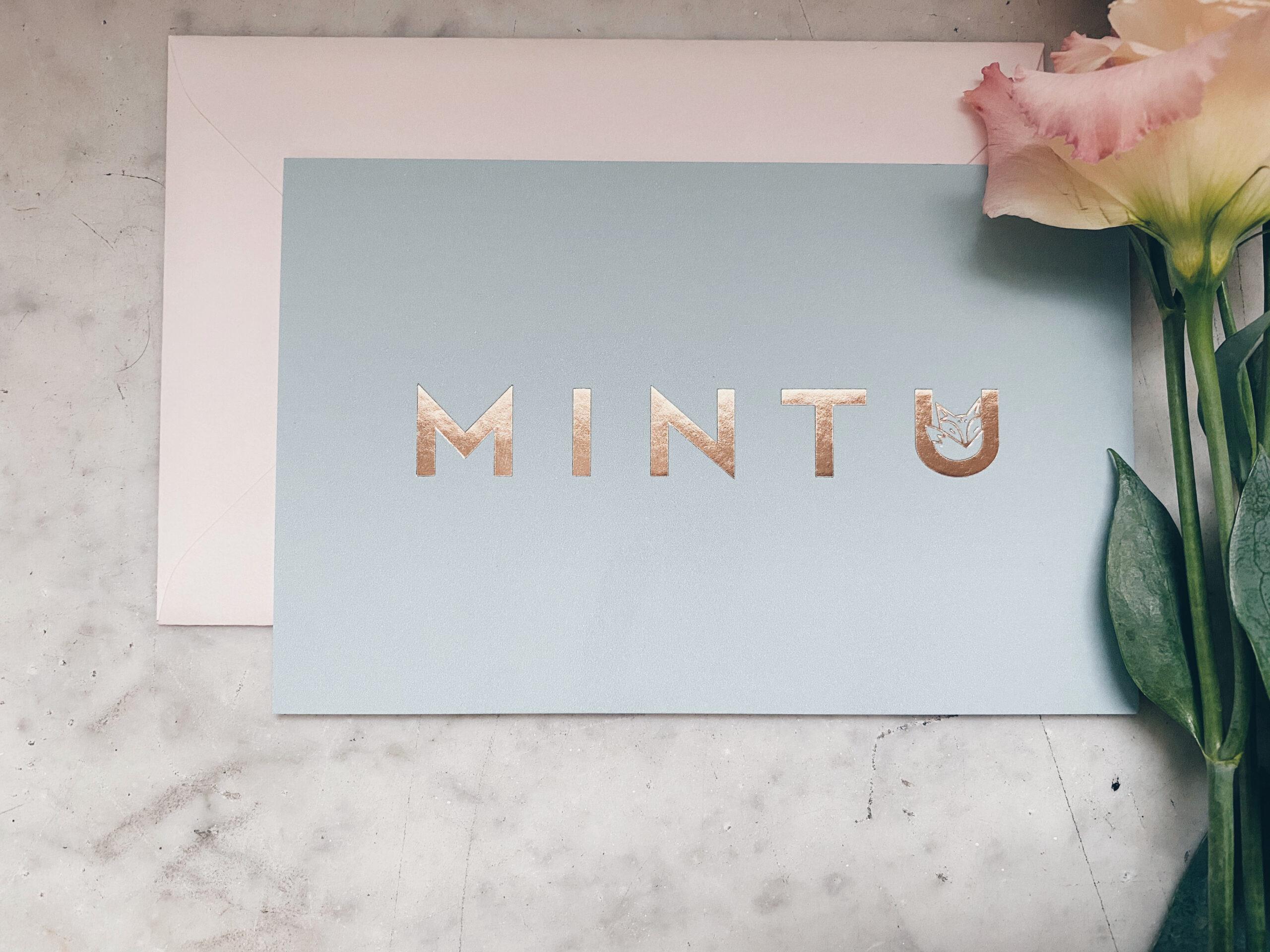 Geboortekaartje Mintu met vosje, letterpress rose gold, eucalyptus, munt, mint, geboortekaartje meisje, letterpress foliedruk, hotfoil, studio mustique, grafisch ontwerp op maat